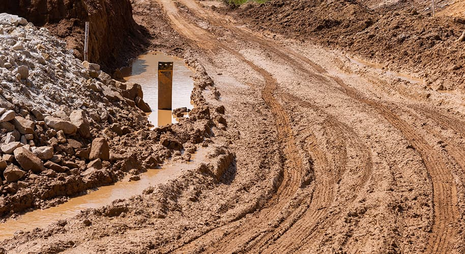 the-dirt-roads-turn-to-mud-in-an-instant-construction-photography-videography