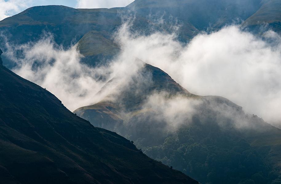 spectacular mountain scenes